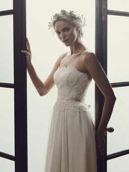 Bridal Gown: Daisy