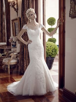 Bridal Gown: Piper
