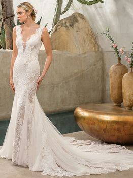 Bridal Gown: Savannah