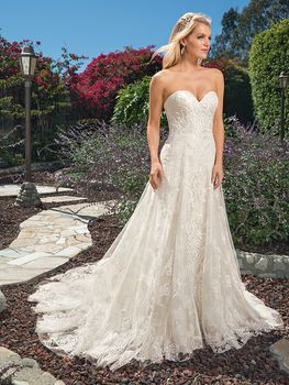 Bridal Gown: Brielle