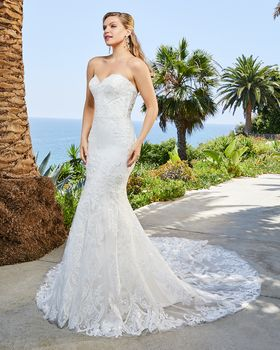 Bridal Gown: Carter