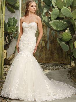 Bridal Gown: Flora