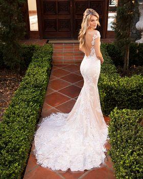 Bridal Gown: Karlee