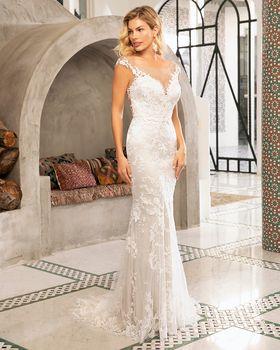 Bridal Gown: Lorena