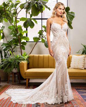 Bridal Gown: Robyn