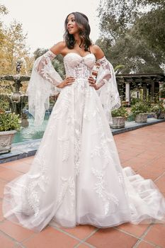 Bridal Gown: Laney